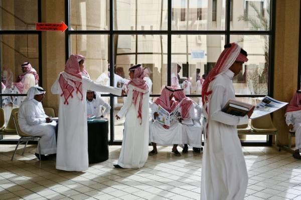 راتب الدكتور الجامعي في السعودية 2021