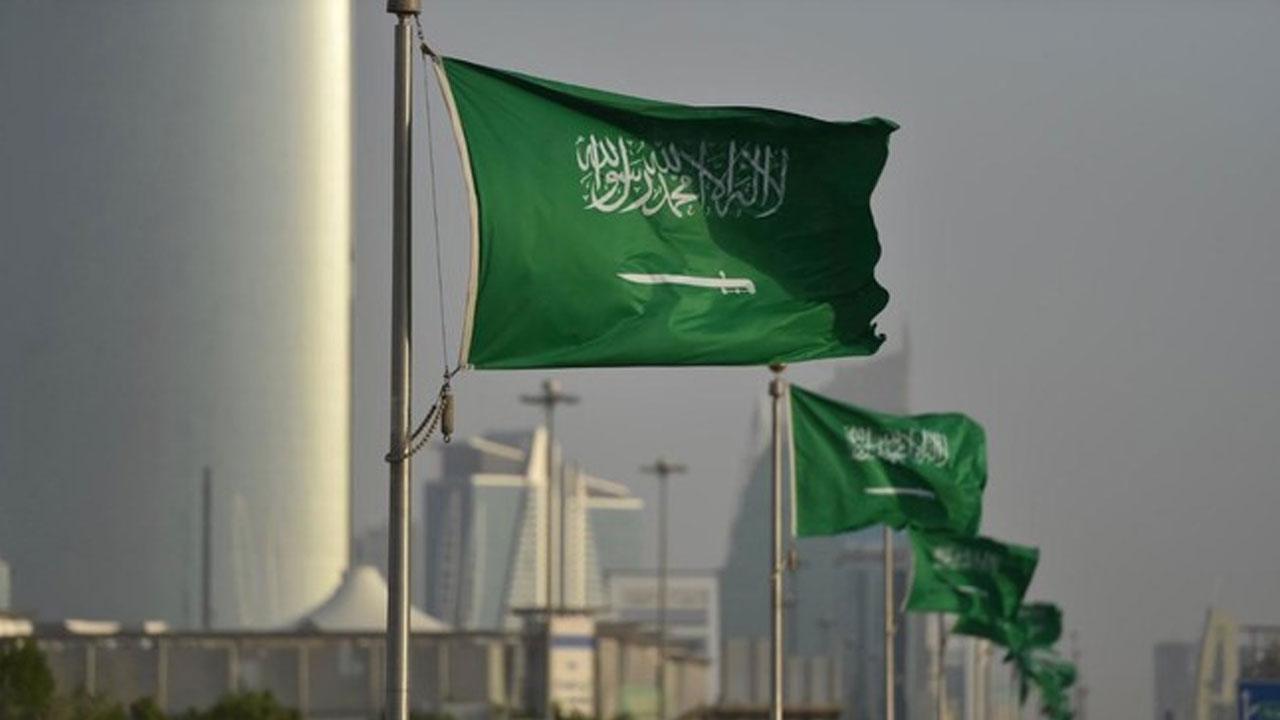 عدد الأجانب في السعودية 2021