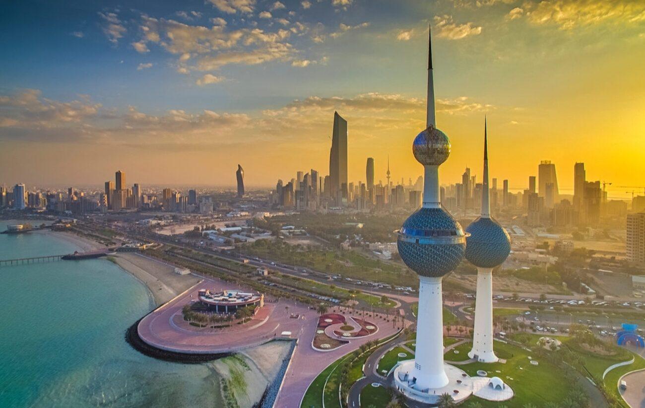 عدد سكان الإمارات 2021